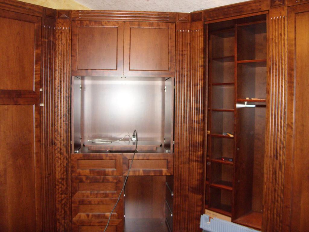 Librerie ed elementi di arredo roma for Arredo cabina armadio