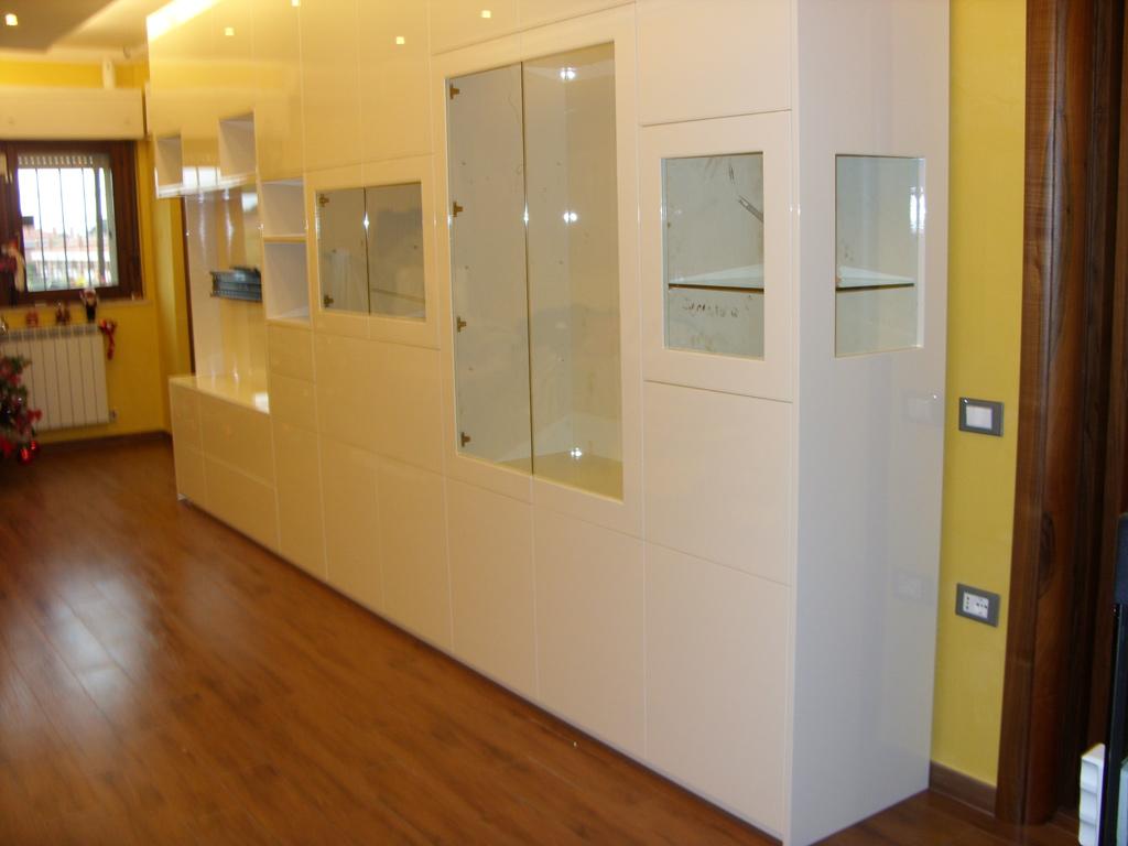 Arredo soggiorno bianco la scelta giusta variata sul for Design della casa padronale
